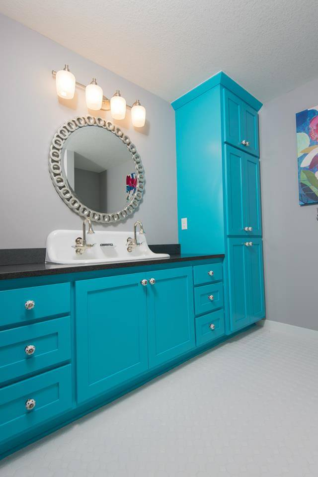Custom Bathroom Vanities for Renovation Projects